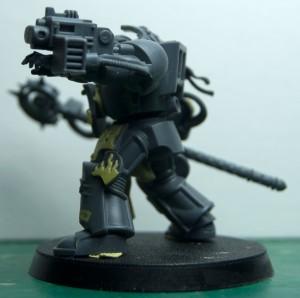 Archiviste.salamanders.librarian.armure.terminator.armour.5c 300x298 [ 40k ] Archiviste Terminator Salamandre