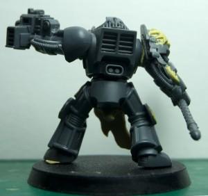 Archiviste.salamanders.librarian.armure.terminator.armour.5d 300x282 [ 40k ] Archiviste Terminator Salamandre